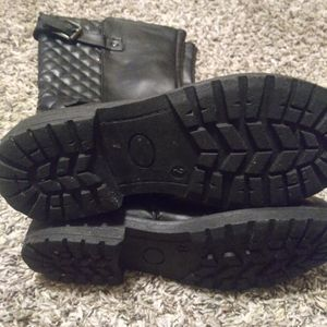 Black girl boots size 2